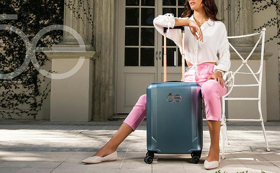 CLOE, luggage, quality, fashion, style, carry on luggage, fashion luggage, fashion, woman, men,