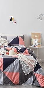 pink triangle bedding set