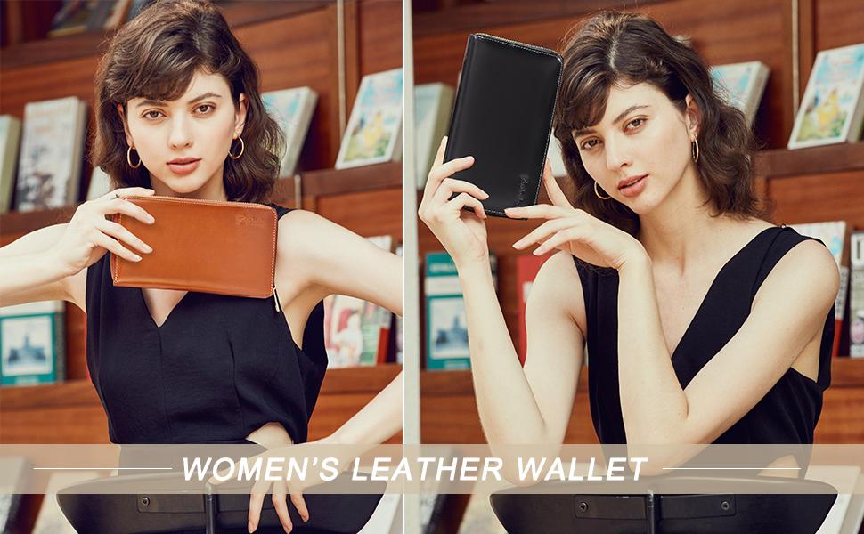 womens wristlet wallet