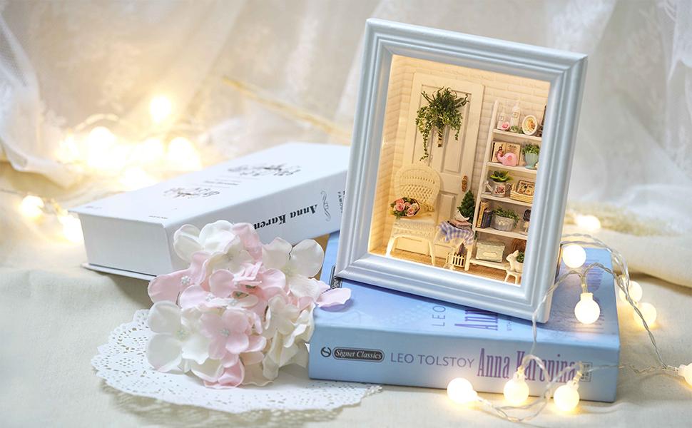 Dollhouse Wooden DIY House Frame Miniature Kit Display Case Photo Memory Shadow Box Decoration