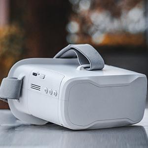 VR02 FPV Goggles