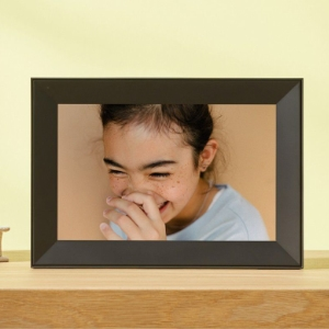 Aura frames automatically adjust to the ambient light in the room for the perfect photo display