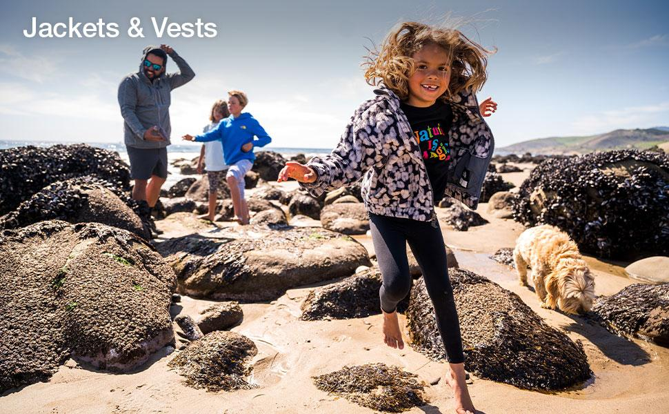 Shop fleece, hoodies, rainwear and vests for kids by The North Face.