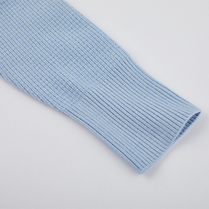 Cardigan sleeve details