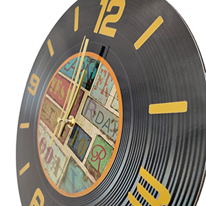 closeup of a cd style clock