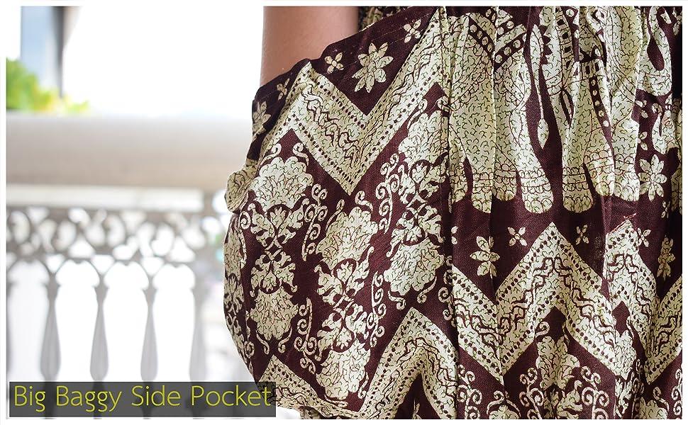 Large Baggy Side Pocket on the Pants