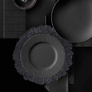 Reef Black Plastic Charger Plates