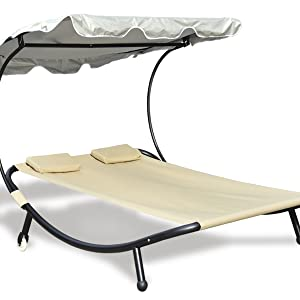 Some features of this outdoor bed