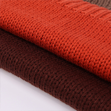 Comfortable and lightweight material makes you feel warm.