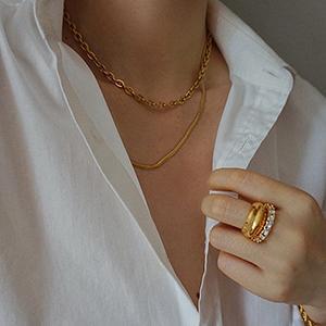 sais_sneak_necklace