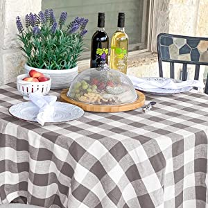 checkered round tablecloth