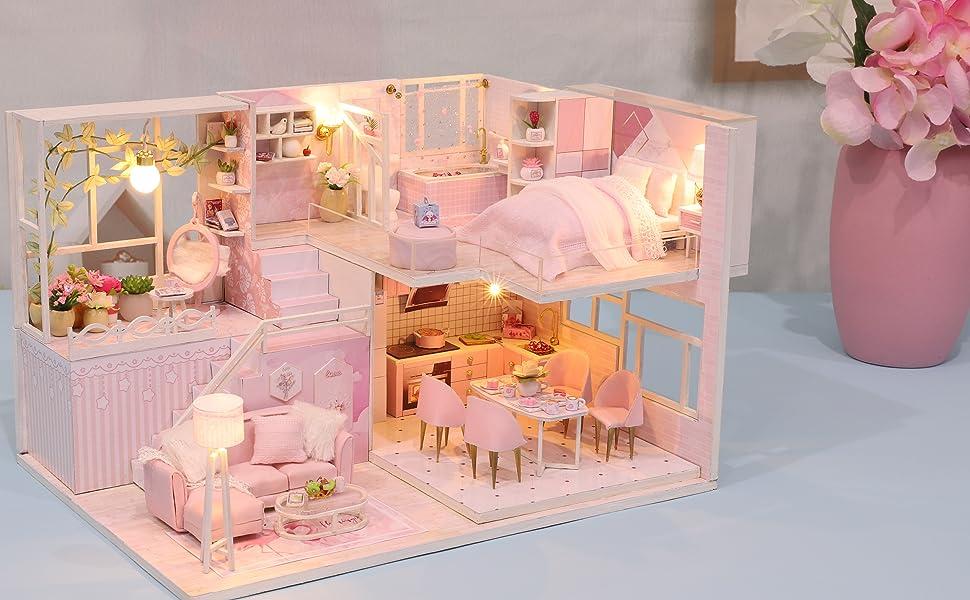 minature dollhouse
