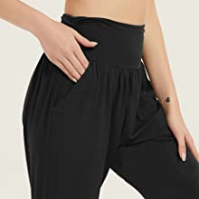 women joggers with pockets