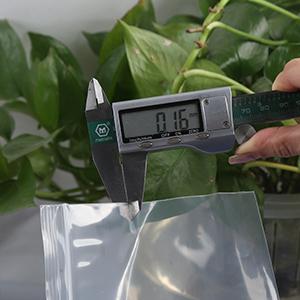 sachet plastique transparent