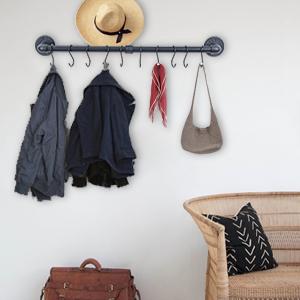 Entrance coat rack