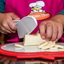 knife cutting dough
