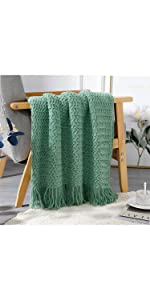 PANOD Grade A Acrylic Knitted Throw Blanket