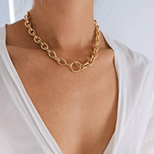 Chunky Gold Toggle Clasp Necklace