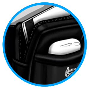 The Smart Design Features: A zippered pocket and a small pocket