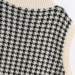 Delicate Houndstooth Pattern