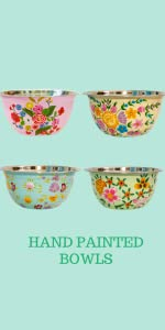 CREATE AN ATTRACTIVE CENTERPIECE WITH HAND PAINTED TABLEWARE