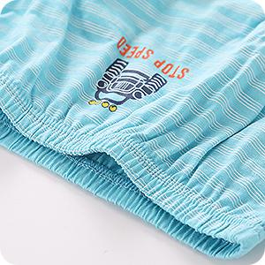 Ropa interior niños con cintura elástica para adaptarse a su figura y mantenerse en su lugar.