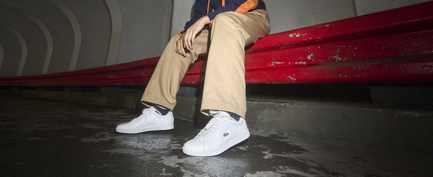 Sneaker blanche avec crocodile vert brodé Lacoste