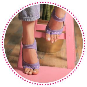 keep sweaty feet from slipping, toe less socks, toeless socks, barefoot sock, pedicure sock