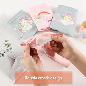 La tela suave de doble capa en la entrepierna garantiza una mejor higiene y un ajuste cómodo.
