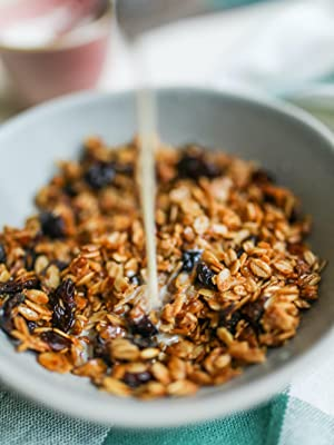 Kamut Flakes granola by food to live