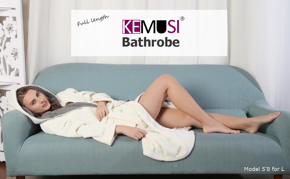 Bathrobe Features