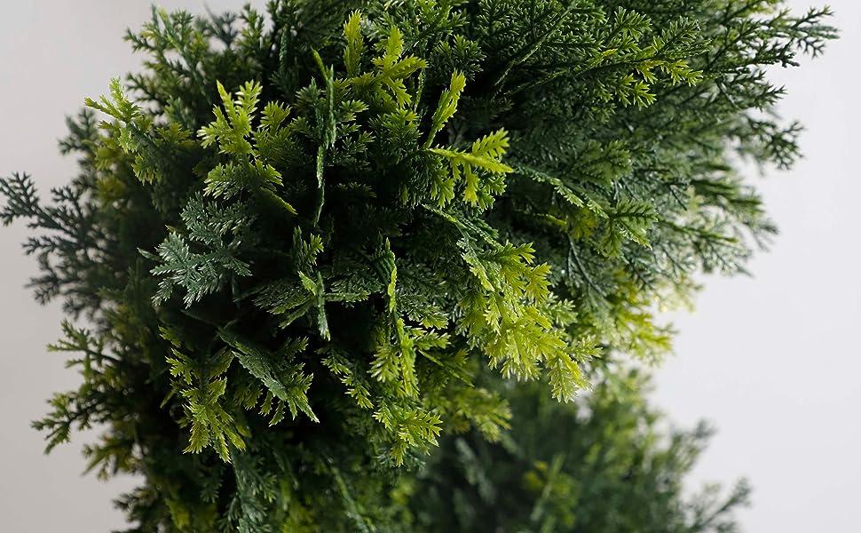 Lifelike leaves