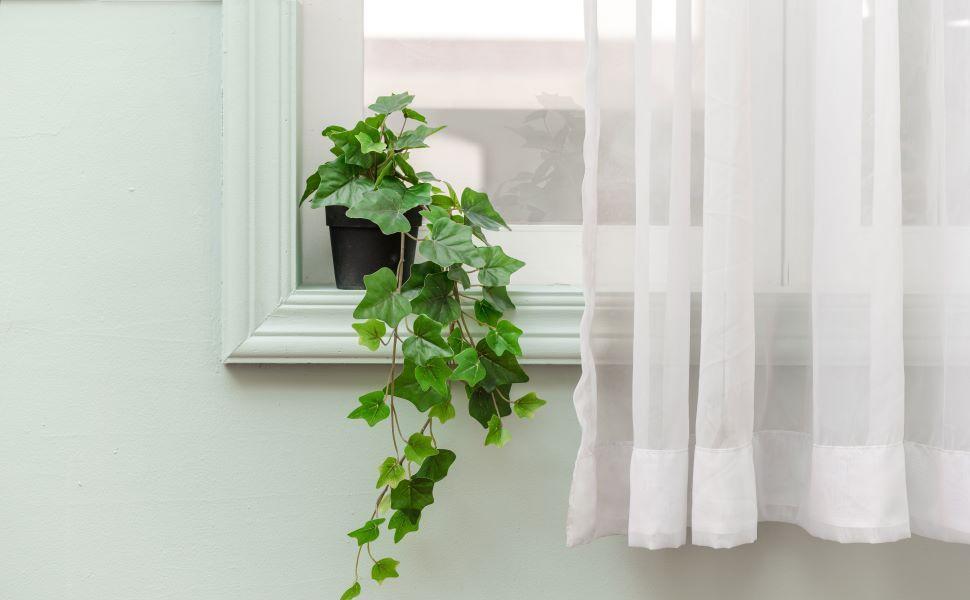 Decor for window sill