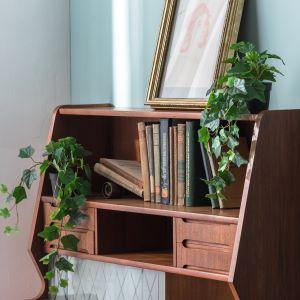 Deco for bookshelf