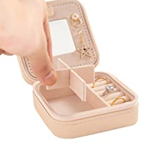 4 divided compartments