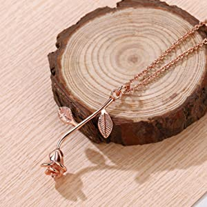 rose gold necklace for girls
