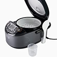 rice cookers with rice spatula, spatula holder, rice measuring cup and steaming basket