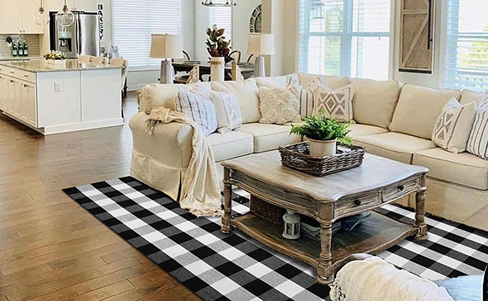 Beautiful plaid rug in the living room