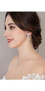 Bridal Backdrop Necklace and Earring