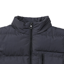 Wantdo Men's Quilted Winter Vest Warm Thicken Sleeveless Puffer Jacket with Detachable Hood