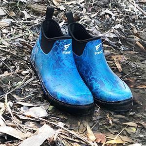 rubber camo boot