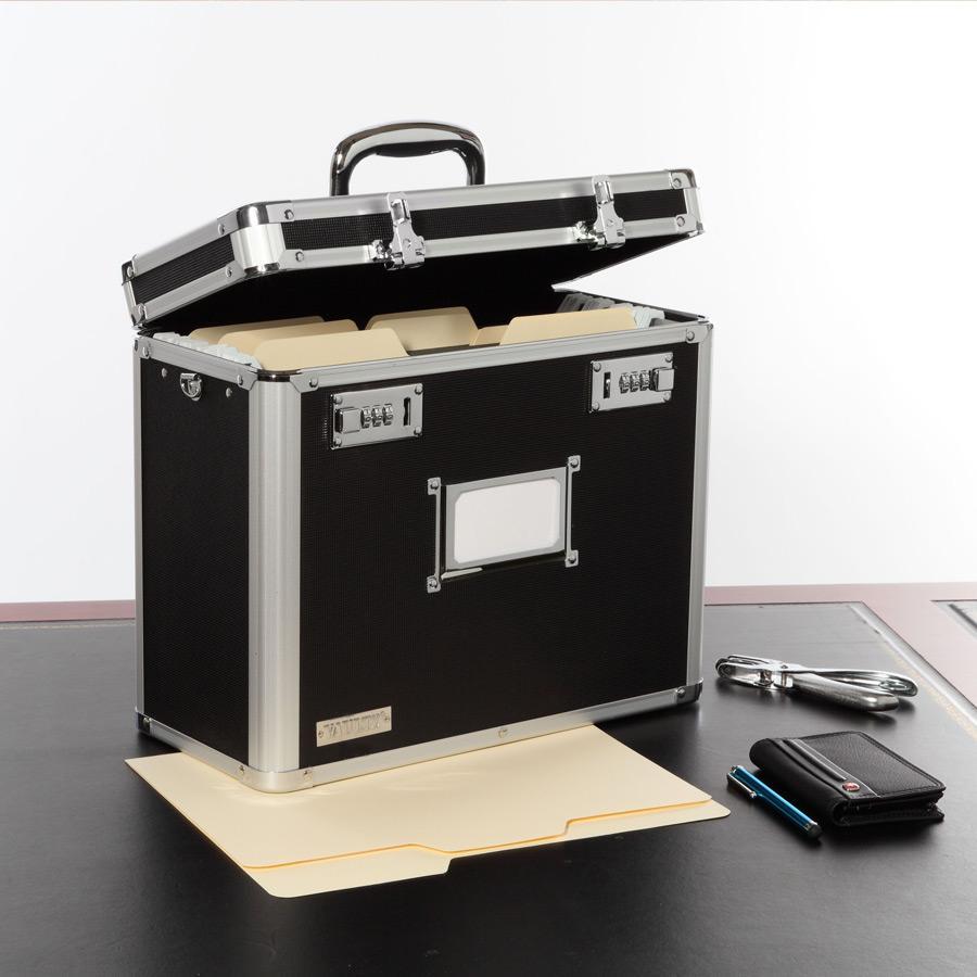d1e09ebdf Amazon.com : Vaultz Locking Mobile Business Case, Legal Size, 15 x ...