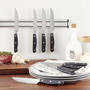 AmazonBasics Premium 8-Piece Steak Knife Set