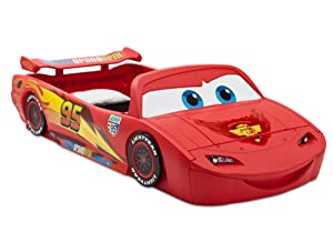 newest c9e3d e591a Delta Children Cars Lightning Mcqueen Toddler-To-Twin Bed with Lights and  Toy Box, Disney/Pixar Cars