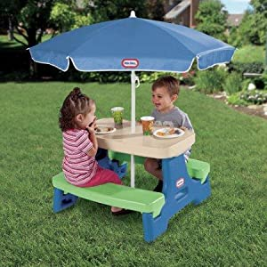 Amazon Com Little Tikes Easy Store Picnic Table With Umbrella Toys Amp Games
