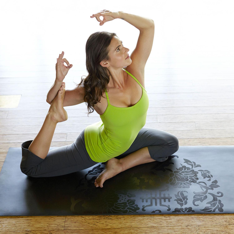 Amazon.com : Gaiam Sol Dry-Grip Yoga Mat, Black, 5mm
