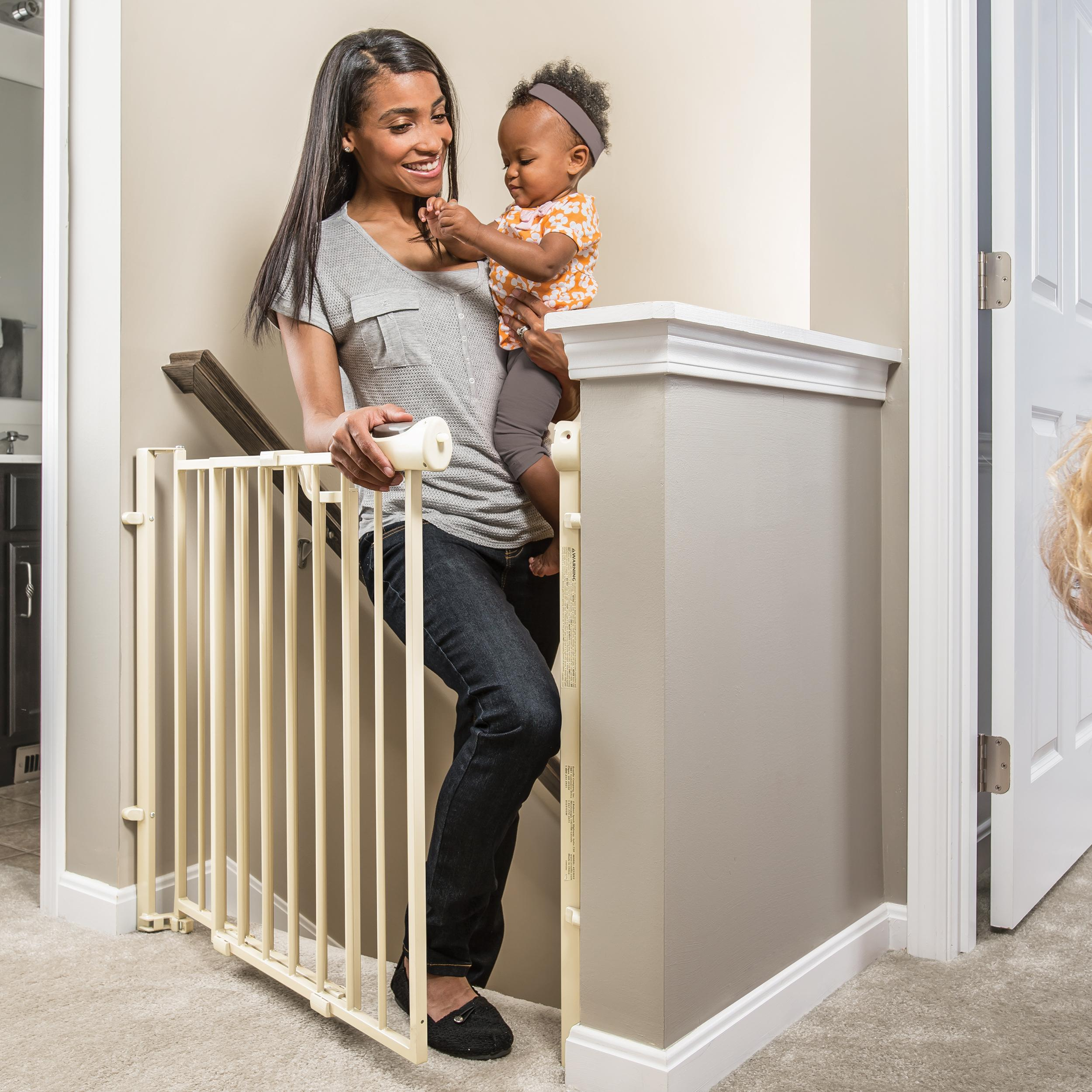 Evenflo Easy Walk Thru Top Of Stairs Gate Amazon In Baby