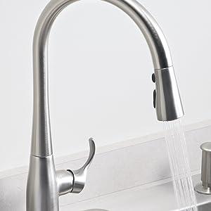 Delta Essa Single Handle Pulldown Kitchen Faucet Matte Black
