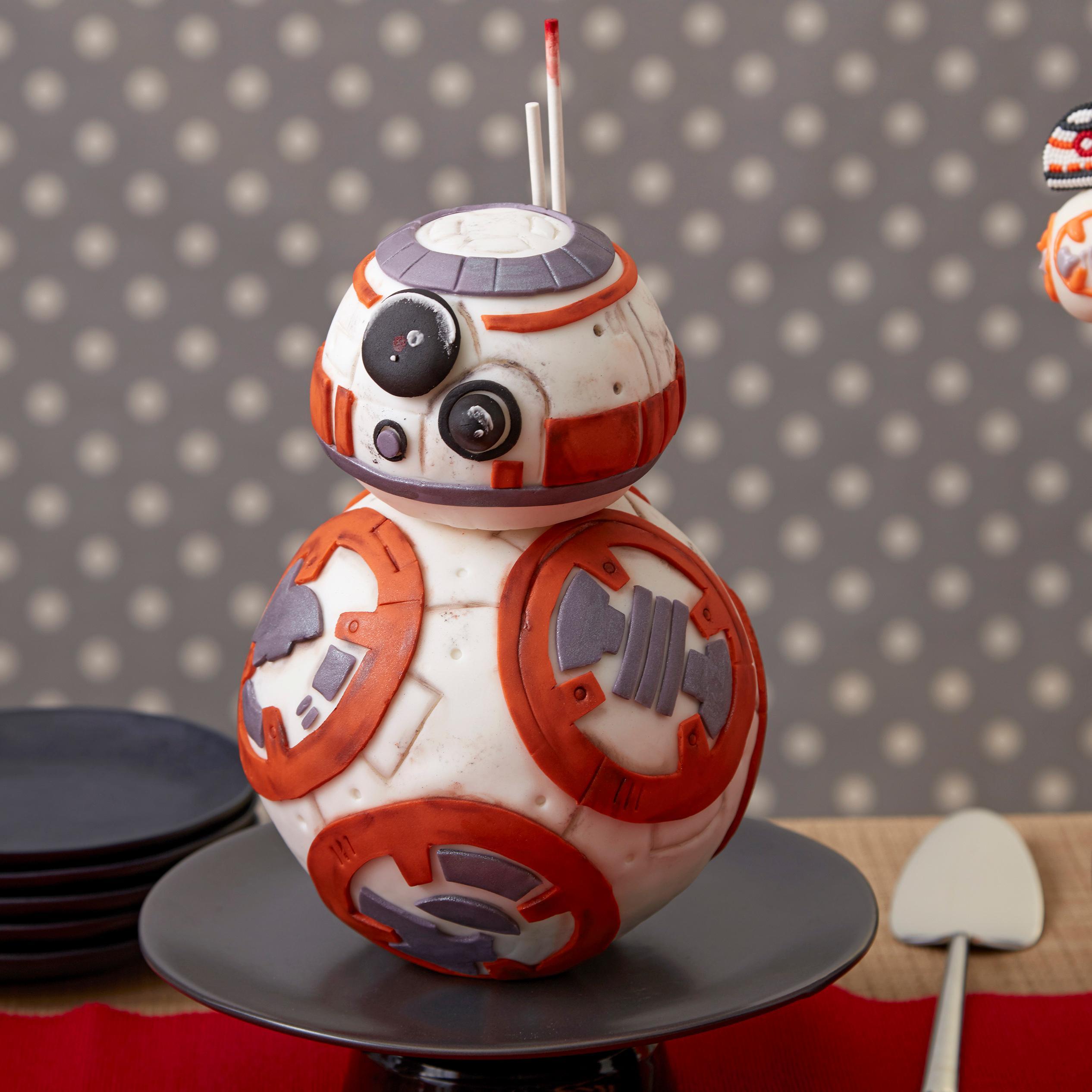 Amazon Com Wilton Sports Ball Pan Set Novelty Cake Pans
