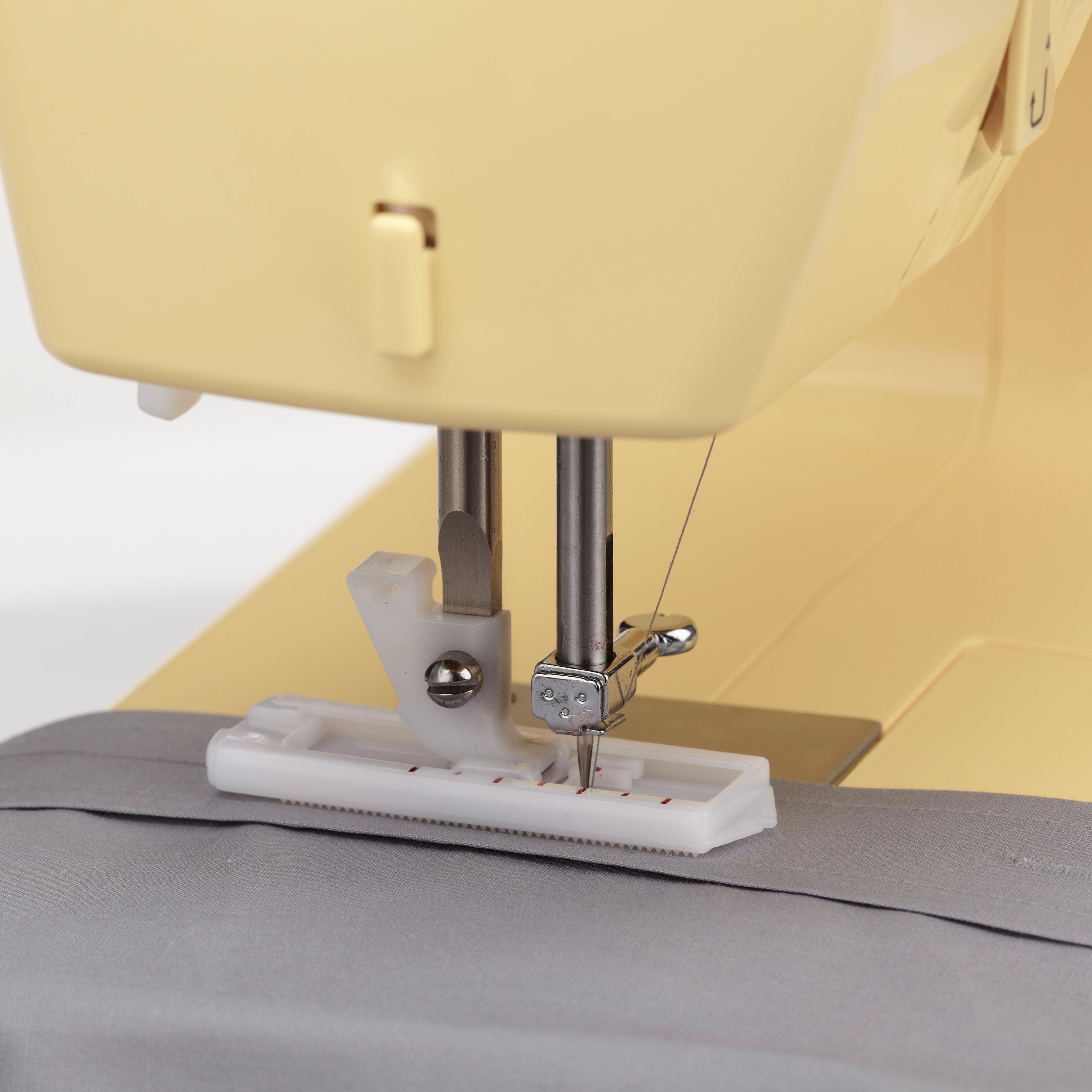 Amazon.com: Singer | Simple 3223Y Handy Sewing Machine, Honey: Arts ...